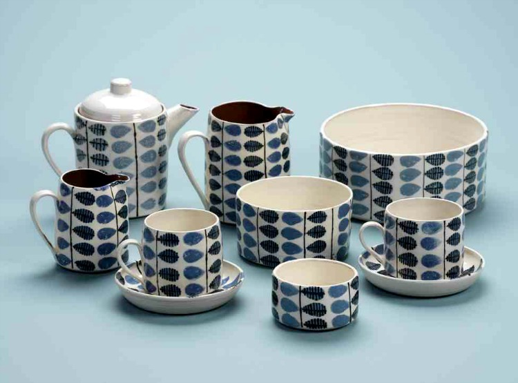 Katrin Mote ceramic tea set