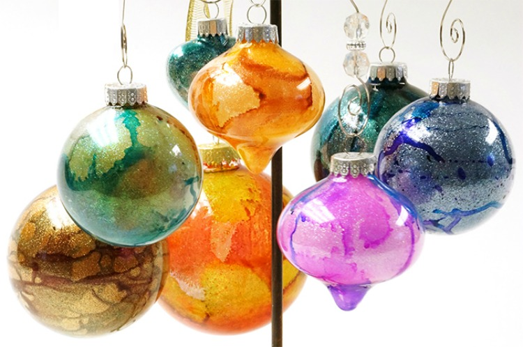 Festive ornaments using alcohol inks from Michaels