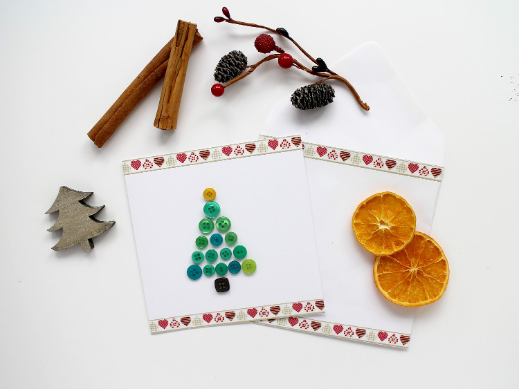 Button Christmas card with matching envelope