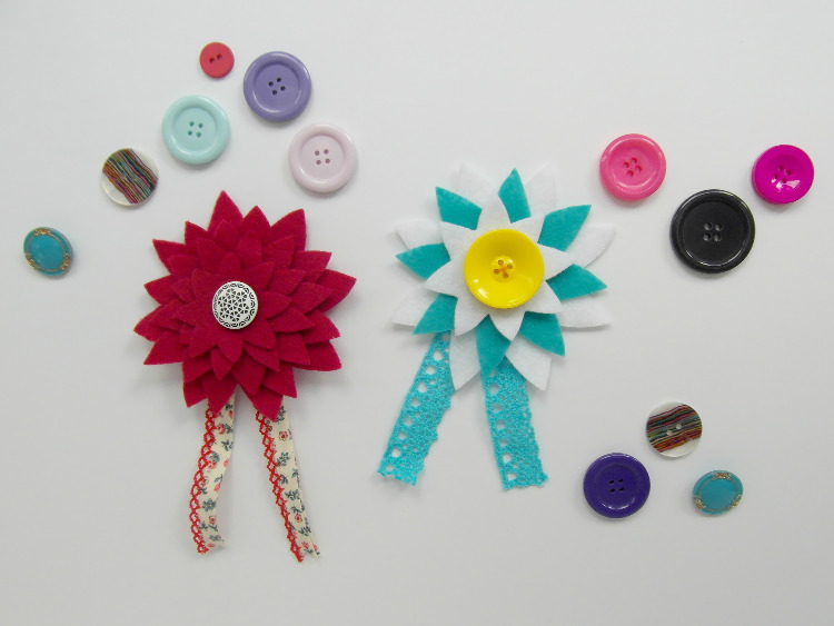 Colourful felt corsages with ribbons and lace