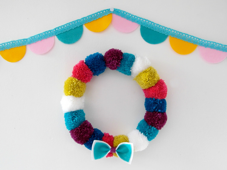 Pompom wreath and scallop felt garland