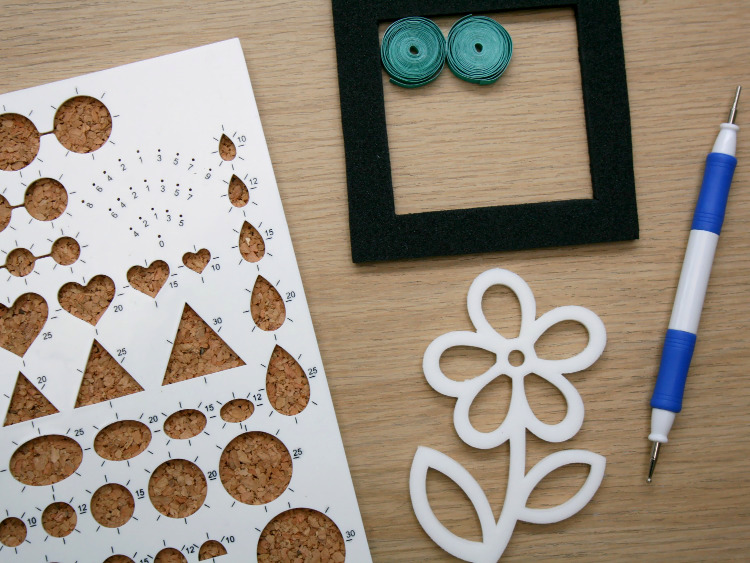 Quilling boards and frames