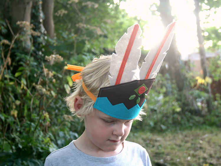 Crafting with Kids: Easy Peasy Felt Headdress