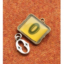 Vintage Groove Set of 2 Letter 'O' Charms